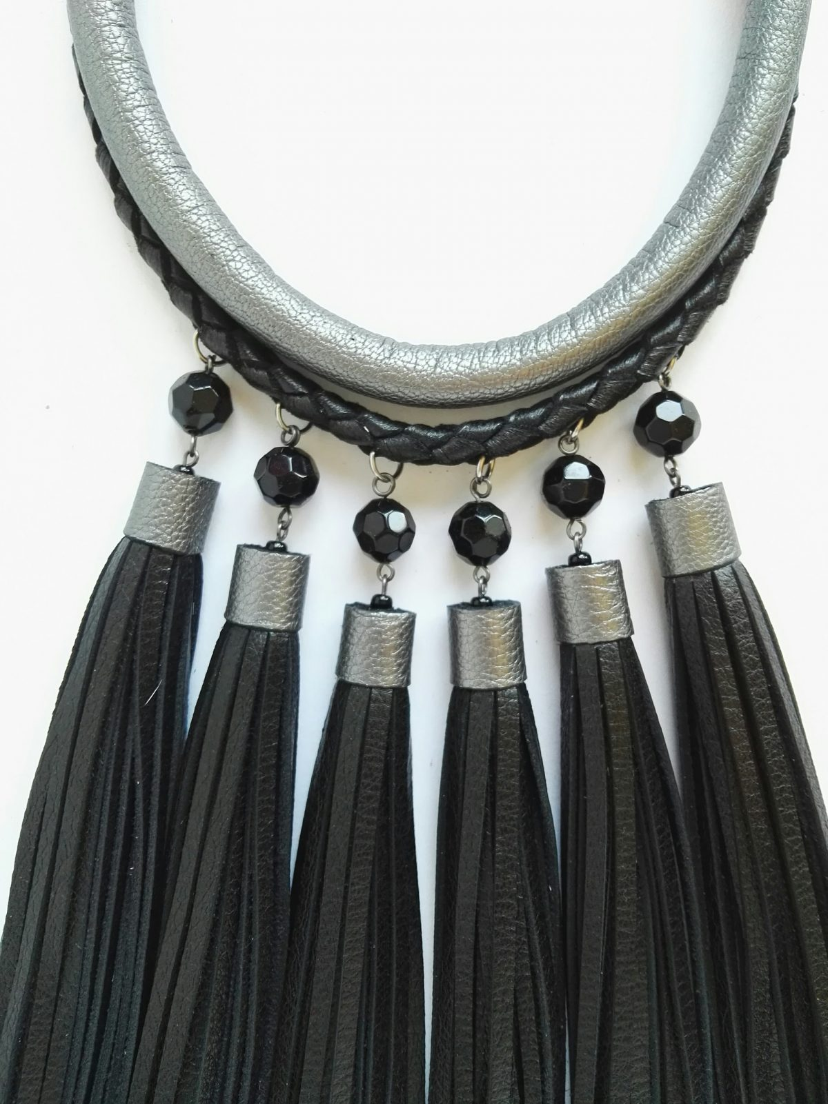 LIENE-ZEILISA-ADAS kakla - rotas- handmade - roku darbs - madeinlatvia