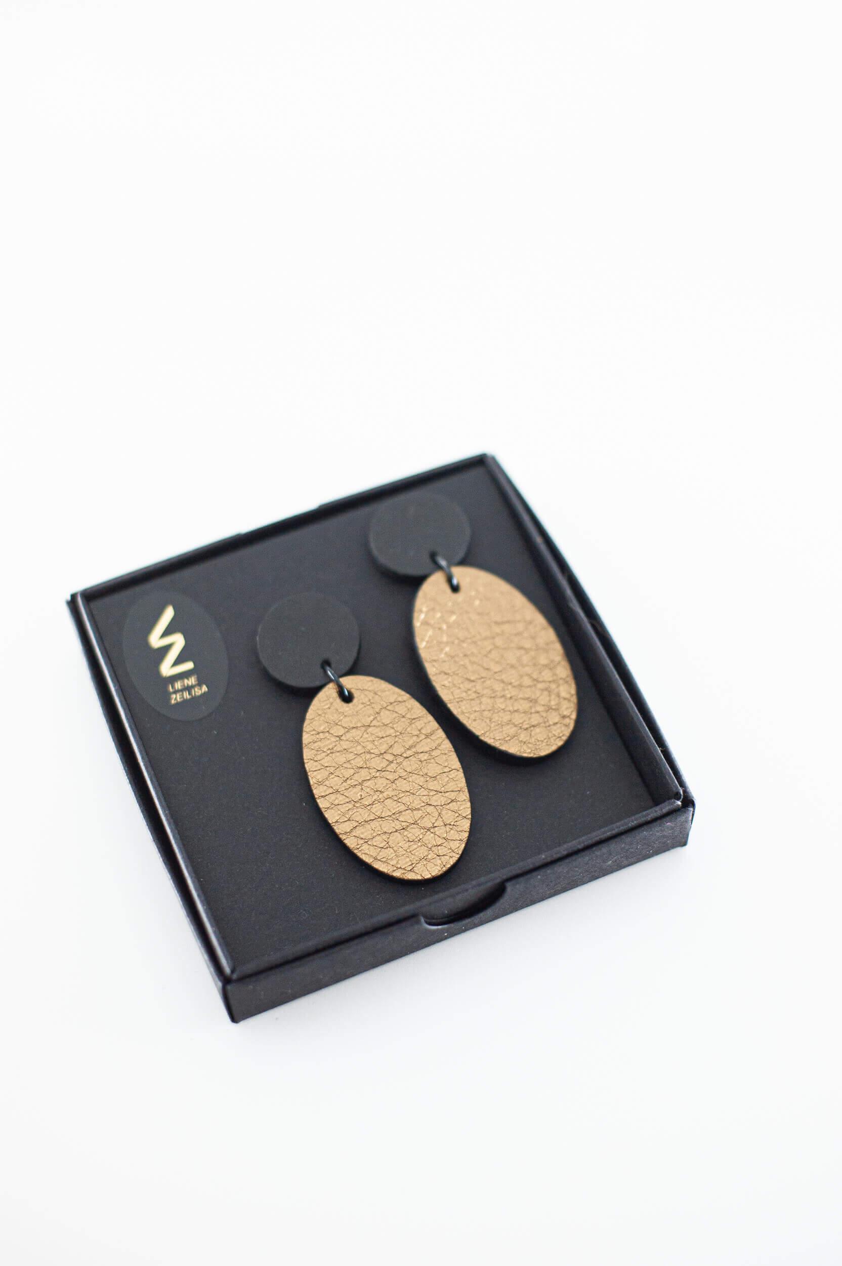 ovāli ādas auksari